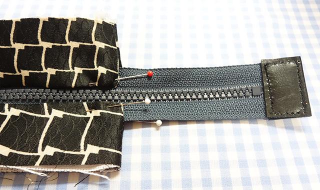 ファスナーの端の縫い方