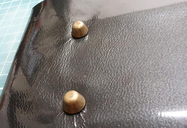 着物でトートバッグの作り方 ~底鋲をつける